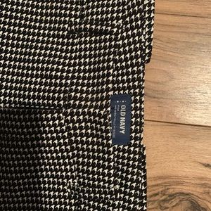 Old Navy Mid-rise Capris size 4